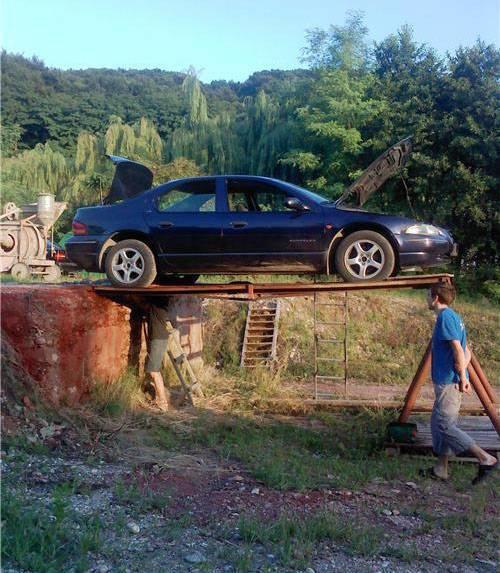hombres trabajos arriesgados precaucion coche