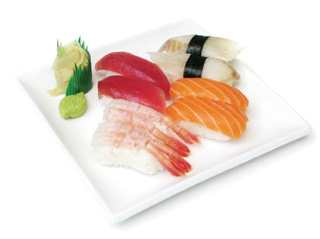nigiri sushi pescado crudo