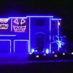 Espectáculo de luces para Halloween en una casa