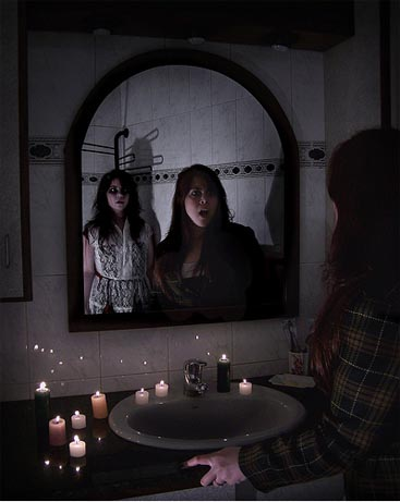 bloody mary espejo velas muerte