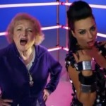 Betty White y Luciana - I'm still hot
