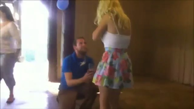 desmayo-chica-pedirle-matrimonio