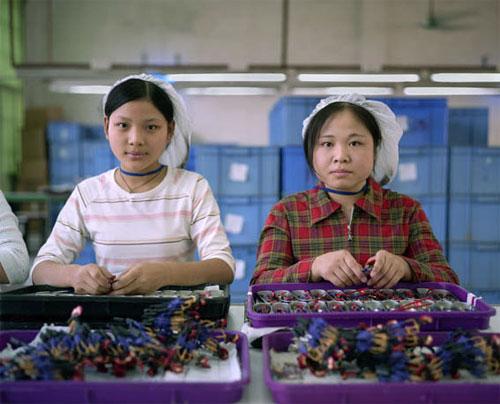 fabrica china trabajadores chinos mattel juguetes 02