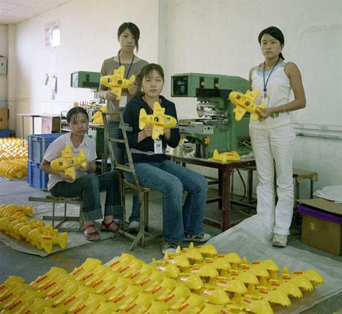 fabrica china trabajadores chinos mattel juguetes 13