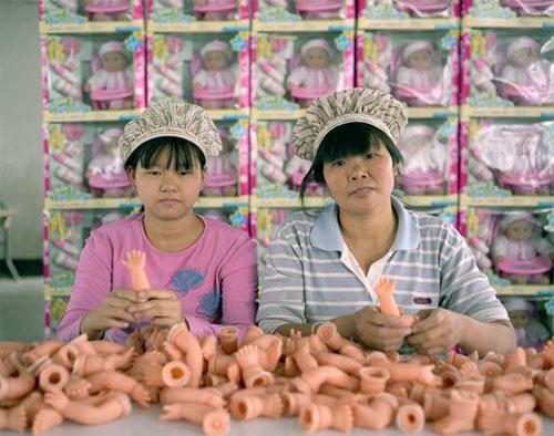fabrica china trabajadores chinos mattel juguetes 14