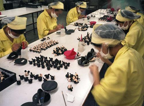 fabrica china trabajadores chinos mattel juguetes 17