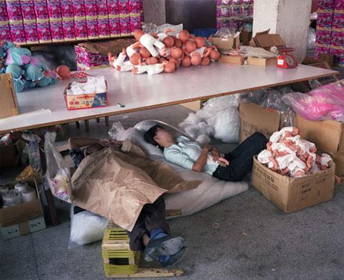 fabrica china trabajadores chinos mattel juguetes 24