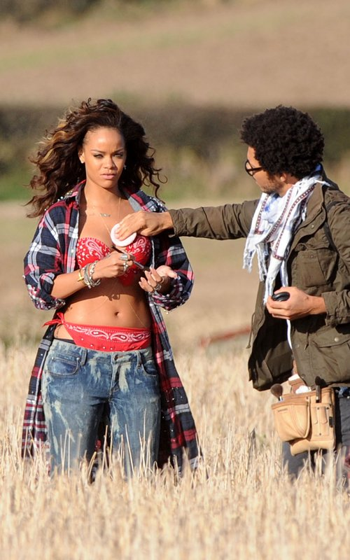 rihanna we found love video making 14