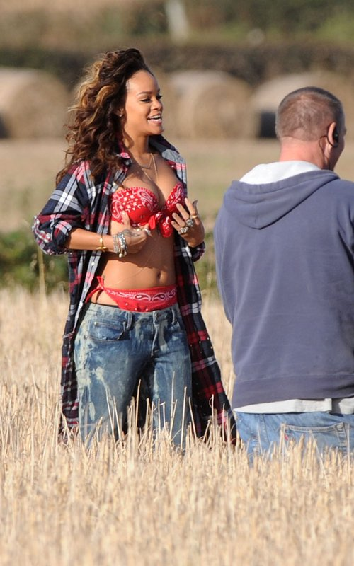 rihanna we found love video making 15