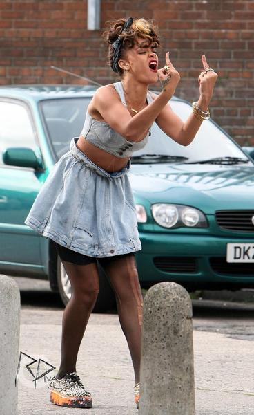 rihanna we found love video making 29