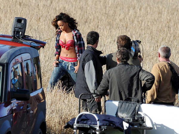 rihanna we found love video making 40