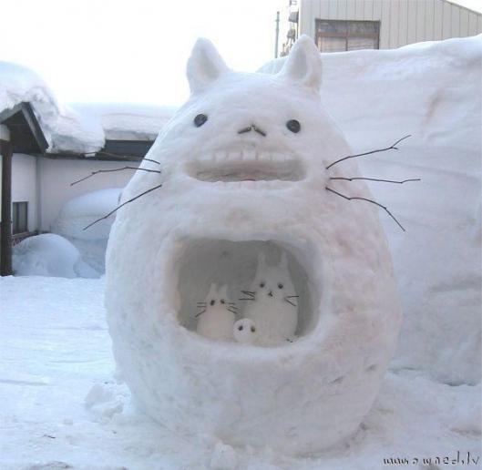 muneco nieve totoro
