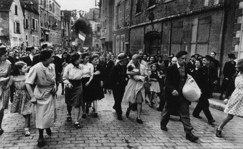 mujer francesa colaboracionista horizontal alemanes chartres 1944