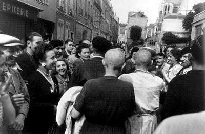 mujer francesa colaboracionista pelo rapado chartres