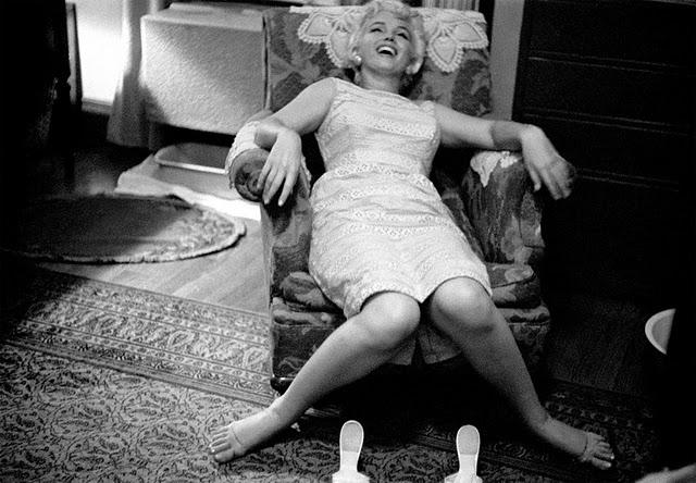 Marilyn Monroe Eve Arnold time hotel illinois descalza