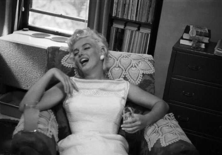 Marilyn Monroe Eve Arnold time hotel illinois