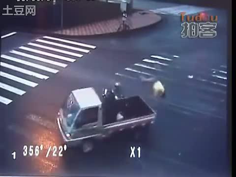 accidente moto trafico china 2