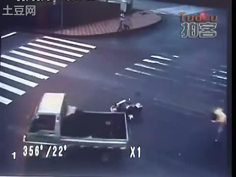 accidente moto trafico china 4