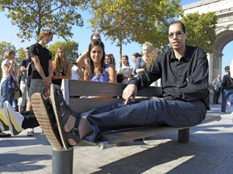Brahim Takioullah pies grandes mundo