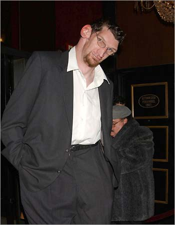 matthew mcgrory actor mas alto