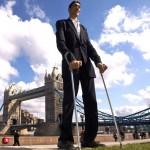 ¿Quién posee el récord de los pies más grandes del mundo?