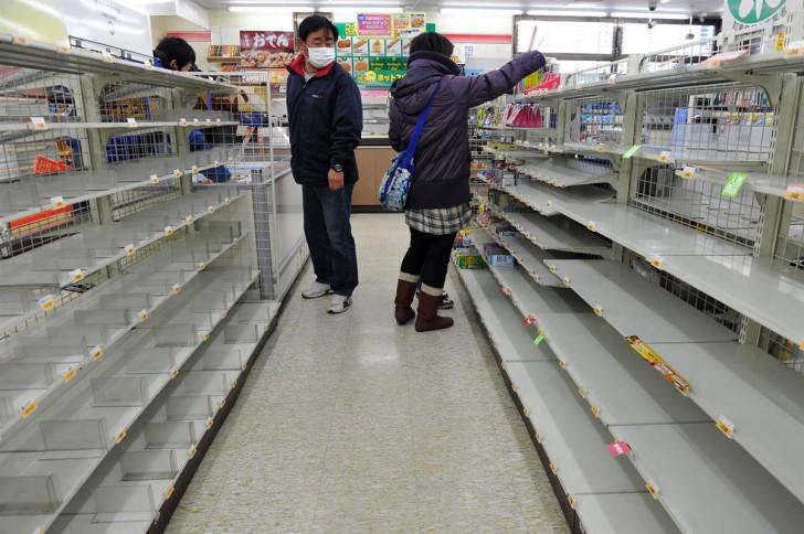tsunami japon 11 marzo 2011 supermercados vacios