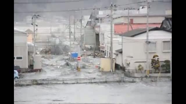tsunami japon 2011 agua