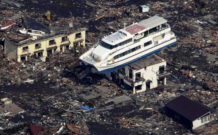 tsunami terremoto japon 2011 Otsuchi barco