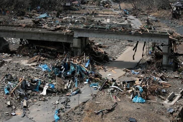 tsunami terremoto japon 2011 Otsuchi escombros