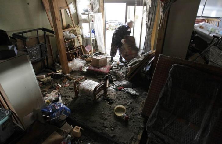 tsunami terremoto japon 2011 Yotsukura hombre casa