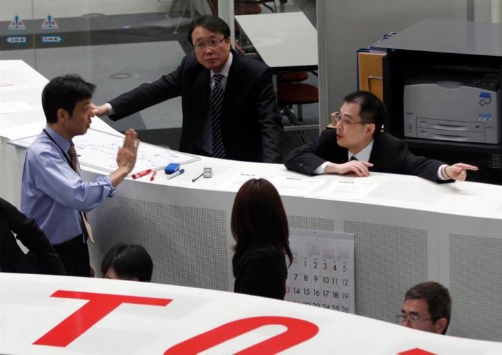 tsunami terremoto japon 2011 bolsa Tokyo Stock Exchange