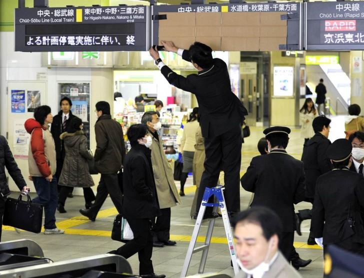 tsunami terremoto japon 2011 trenes cancelados