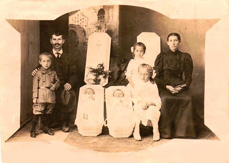 fotografias post mortem familia bebes