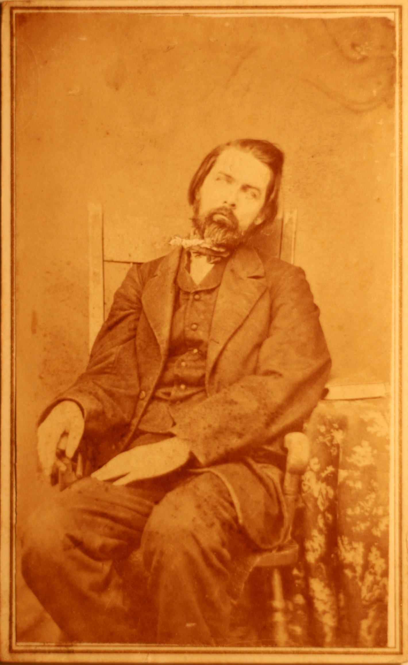 fotografias post mortem hombre sentado