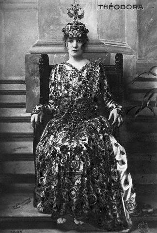 Sarah Bernhardt Teodora 1884