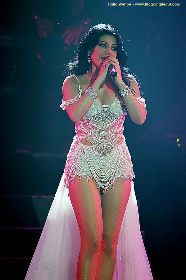 cantante-libanesa-haifa-wehbe-sexual