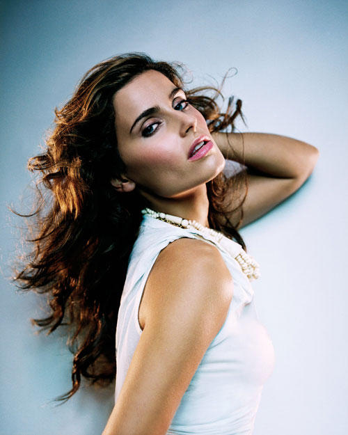 nelly-furtado-timbaland-promiscuous-gorgeus