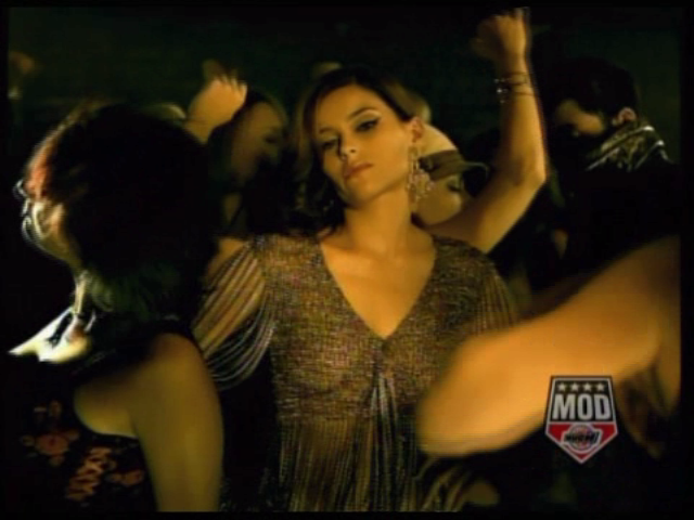 nelly-furtado-timbaland-promiscuous-video-3
