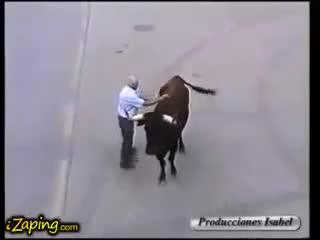toro reconoce cuidador