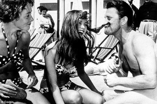 Brigitte Bardot Kirk Douglas Cannes 1953