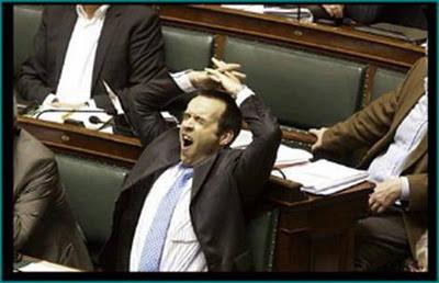 parlamento europeo eurodiputados bostezando