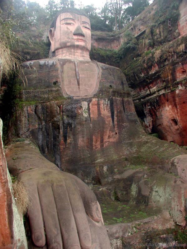 buda leshan china estatua
