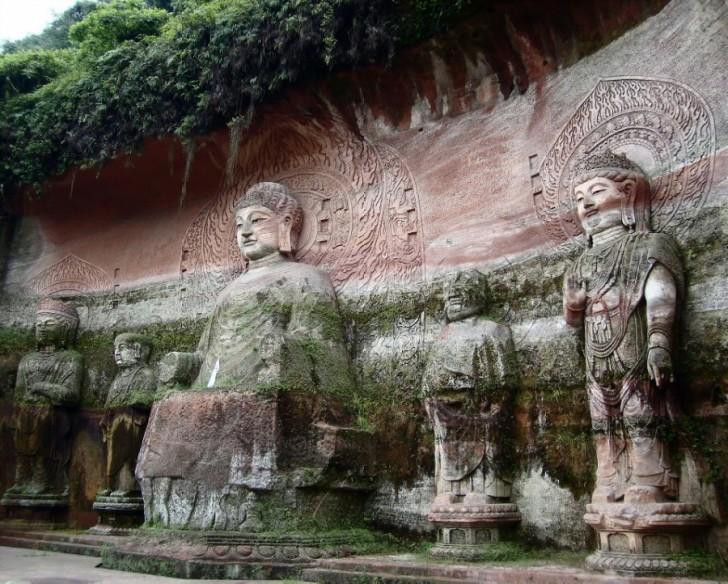 buda leshan estatuas lados