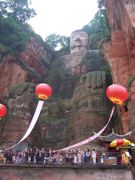 estatua buda leshan sichuan china
