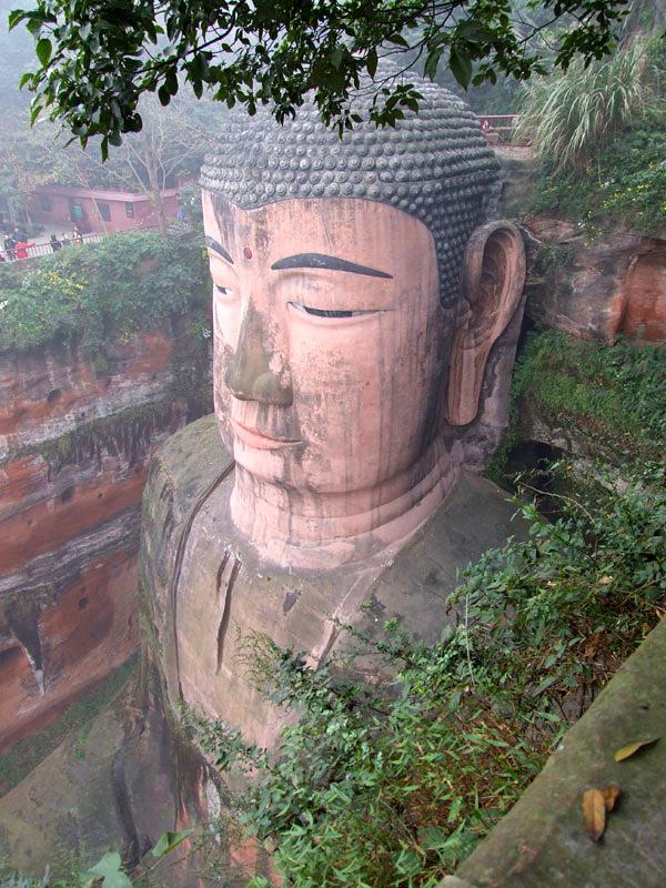 estatua buda leshan sichuan