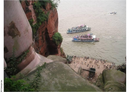estatua gran buda leshan china barcos