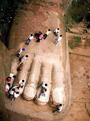 estatua gran buda leshan china pie