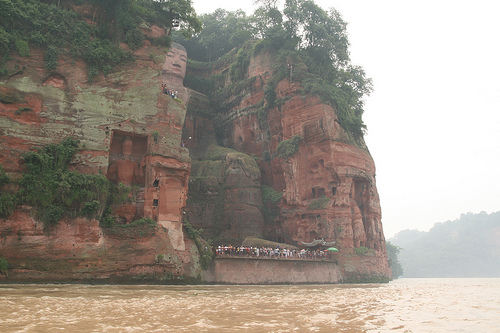 estatua gran buda leshan china rio