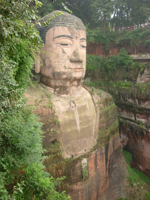 estatua gran buda leshan china sichuan