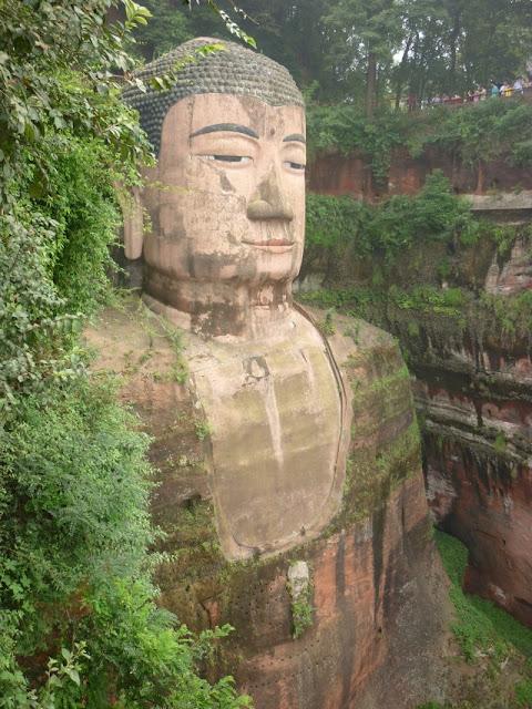 estatua gran buda leshan china sichuan